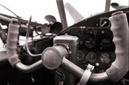 Copilot im Cockpit der Antonov AN-2
