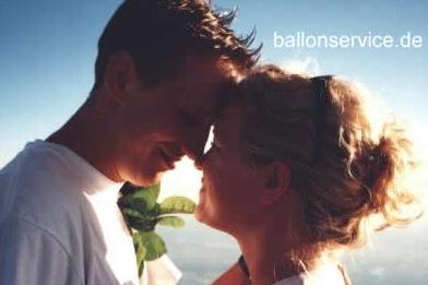 Verliebte im Ballon